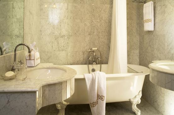 bath-hotel-west-end-paris
