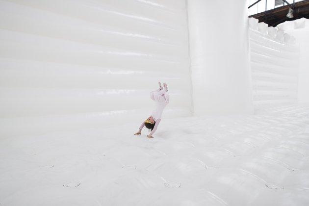 white-bouncy-castle-art-installation-20130627-121311-243