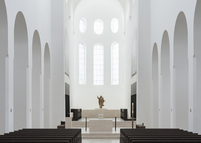 dezeen_St-Moritz-Church-by-John-Pawson_ban1