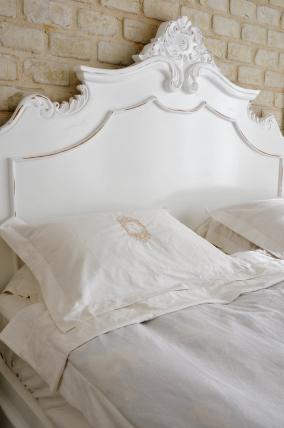 bed-headboard-simply-white