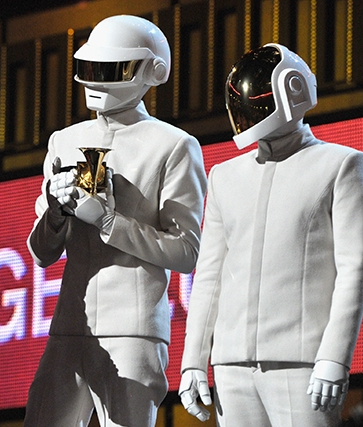 daft-punk-white-grammy-awards-2014