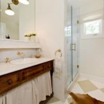 Design: Bathrooms in White and Gold