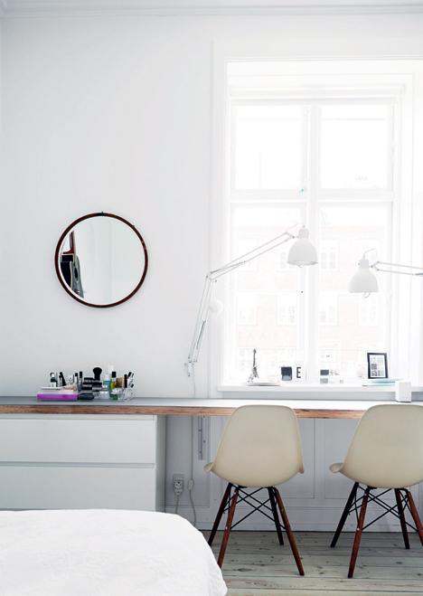 desk_window_emmas_designblogg_53393228e087c3392ed45f5b