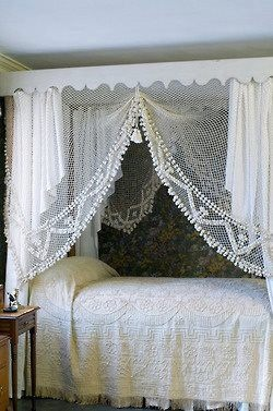 lace-bedroom-bedding