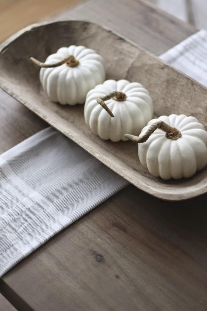 White-pumpkin-centrepiece