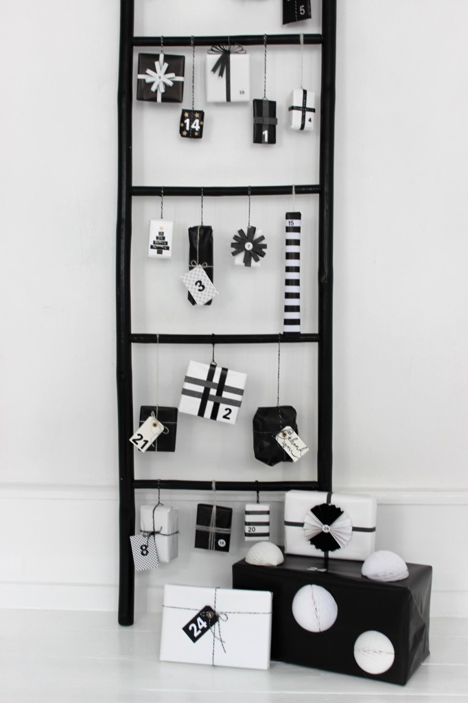 black-white-modern-advent-calendar