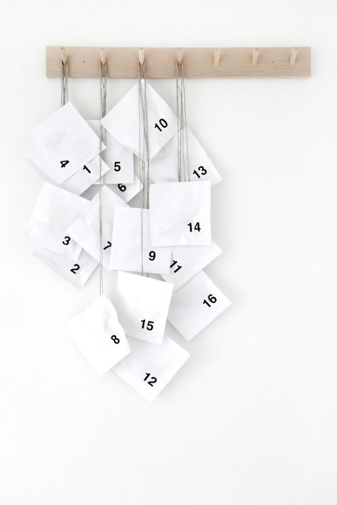 Minimalist Advent Calendar : Advent calendarwhite cabana white