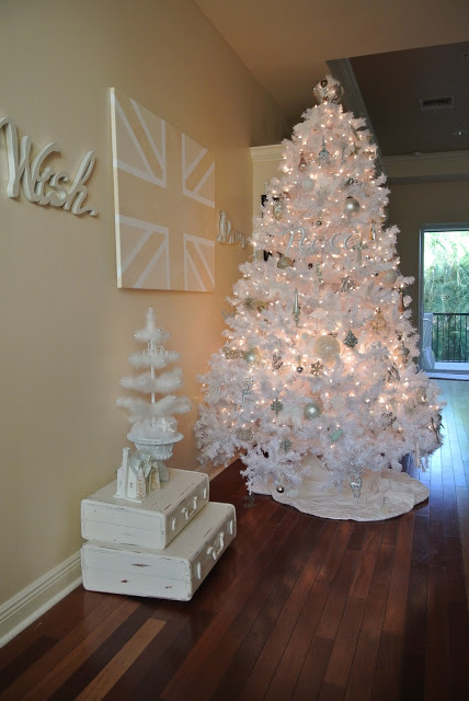 white-Christmas-tree