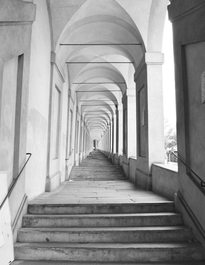 White-Cabana-San-Luca-Bologna-3