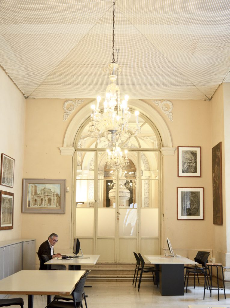 White-Cabana-University-of-Bologna-7