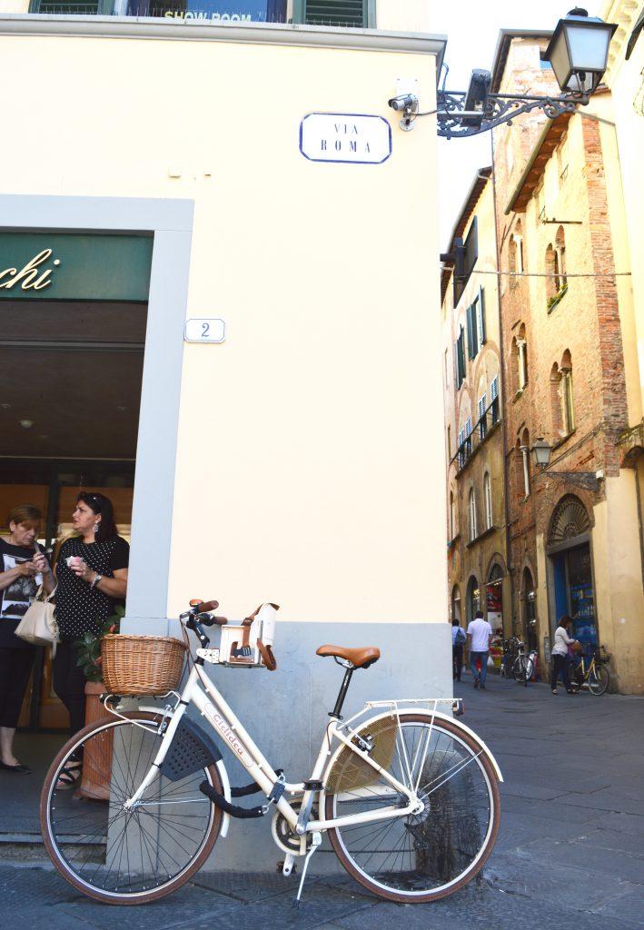 White-Cabana-Lucca-Italy-Bike