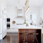 Design: White with a Dash of Gold